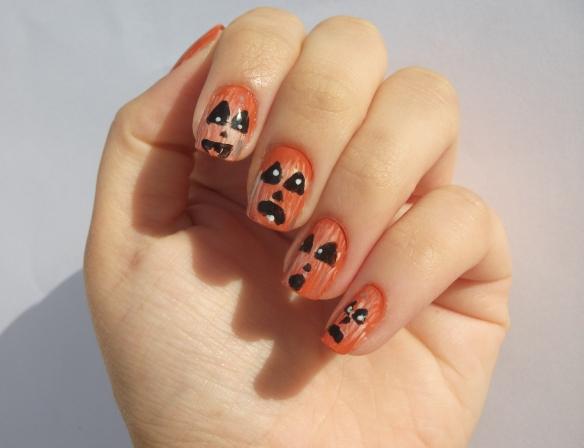 halloween pumpkin manicure